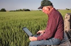 farmer-laptop